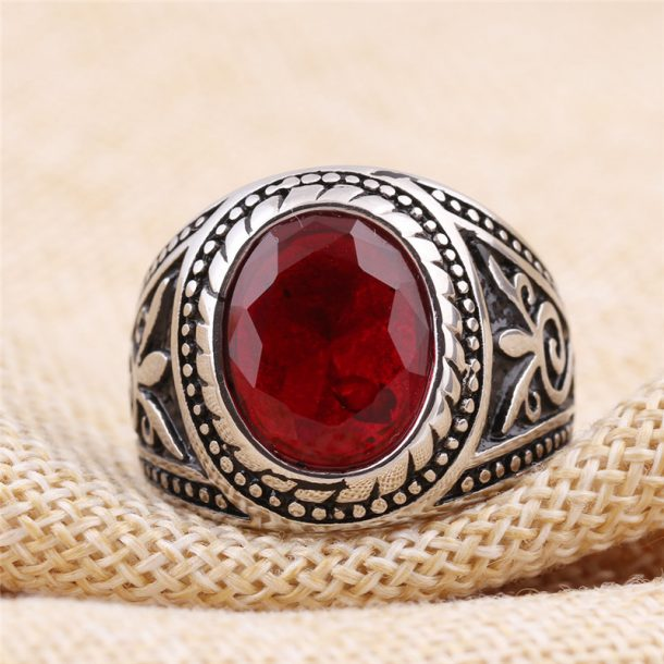 Vintage Red Stone Ring